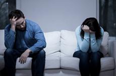 単身赴任が招く危機…浮気・離婚の実情とは?