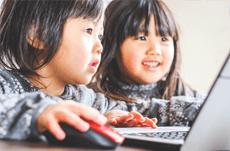 人気のユーチューバー、子どもをめぐるリスクとは?