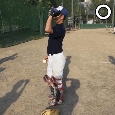 左肩でボールを面を向けよう