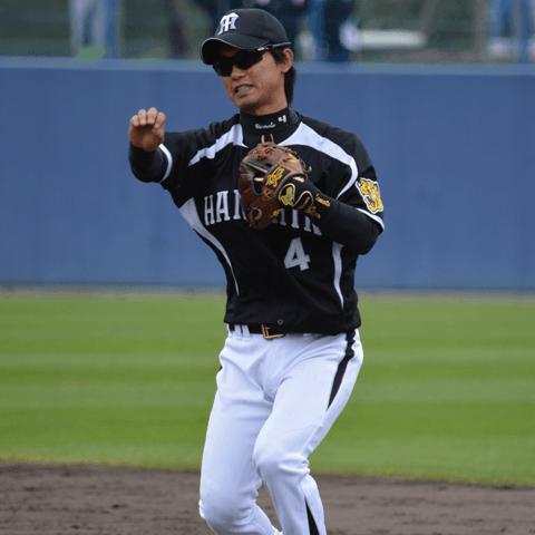 【プロ野球サンタからあの3選手へプレゼント�A】上本博紀(阪神)にはノーバントネックレスを進呈!