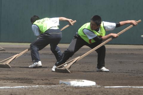 野球を仕事にしよう! グラウンドキーパーに球拾いなど「球場のお仕事」&珍バイト図鑑